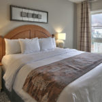 MLK Ski Weekend 1 Bedroom with den Village Suite queen Bedroom