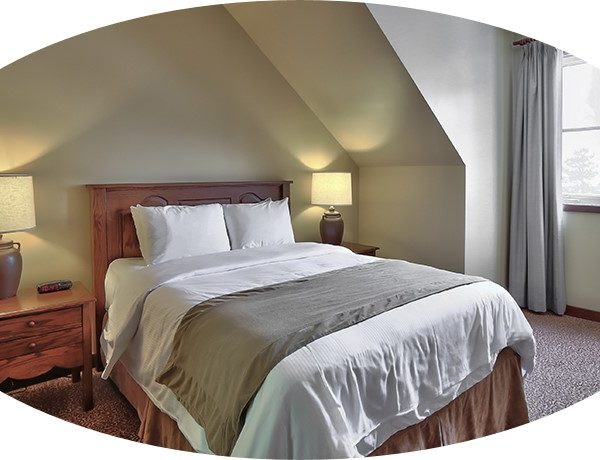 MLK Ski Weekend 3 Bedroom Village Suite twin bedroom cropped