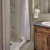 MLK Ski Weekend Wintergreen 3 bedroom condo bathroom