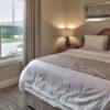 MLK Ski Weekend Snowbridge 3 bedroom luxury Villa queen bedroom